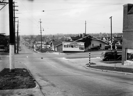 65th and 3rd looking west - 1944
