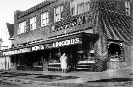 Berg's Grocery - unknown date